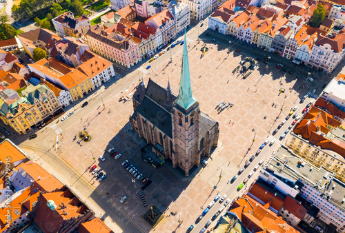 Fotografía Aerial view to The cathedral of St