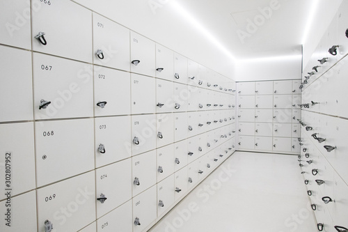 Fotobehang Europa コインロッカー White and cool contemporary coin locker