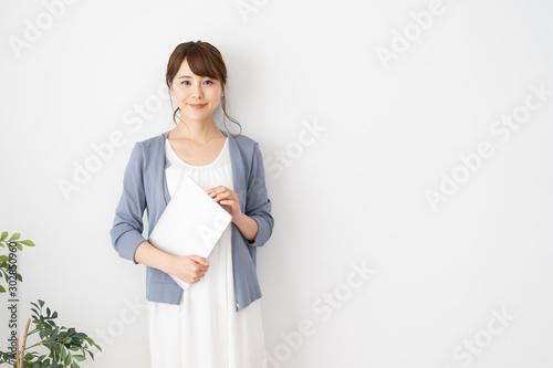 Obraz 女性 カジュアルビジネス - fototapety do salonu
