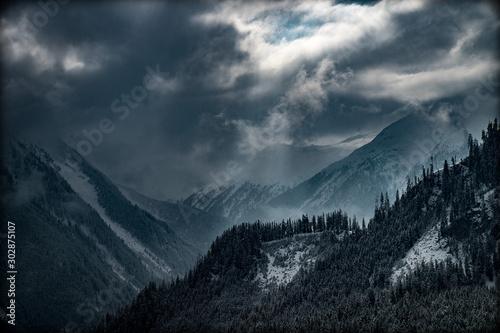 Alpen mit Aussicht auf Regen Fototapet
