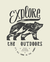 Hiking T-shirt Print With Grizzly Bear And Mountains - Explore The Outdoors
