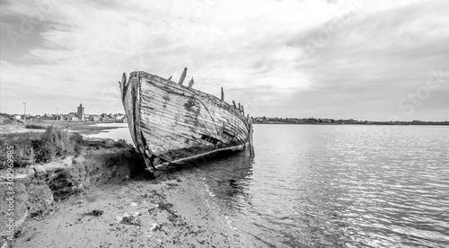 Fotobehang Schipbreuk Épave de bateau
