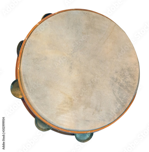 Fotografía classical percussion musical instrument tambourine isolated on white background