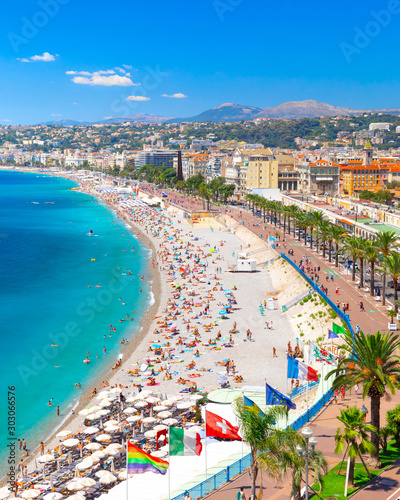 Tuinposter Parijs Promenade des Anglais in Nice, France. Nice is a popular Mediterranean tourist destination, attracting 4 million visitors each year
