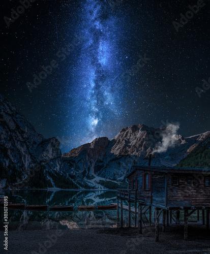 Foto auf Leinwand Schwarz Milky way over Lago di Braies at night, Dolomites