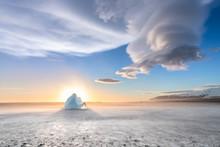 Lenticular Cloud Over Diamond ...