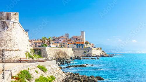 Photo Historic center of Antibes, French Riviera, Provence, France