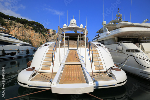 Fotografía  Luxury yacht moored in the Port de Fontvieille in Monaco