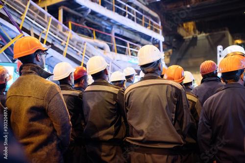 Obraz Strike of workers in heavy industry. - fototapety do salonu