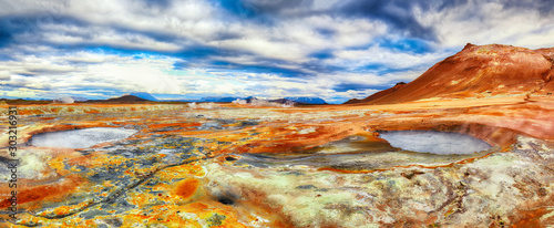 Pinturas sobre lienzo  Boiling mudpots in the geothermal area Hverir and cracked ground around