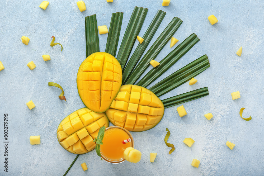 Fototapety, obrazy: Composition with tasty mango and juice on table