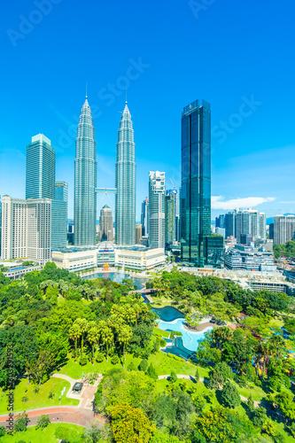 Fototapeta premium Piękna architektura zewnętrzna budynku w mieście Kuala Lumpur w Malezji