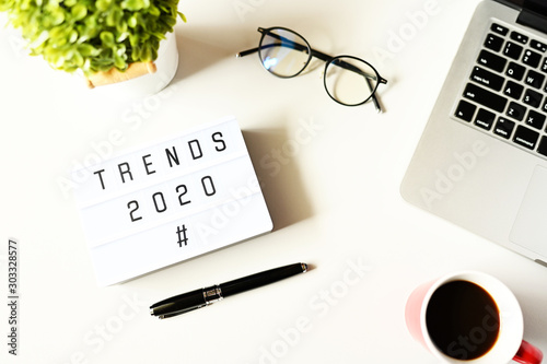 Cuadros en Lienzo  TRENDS 2020 Business Concept,Top view
