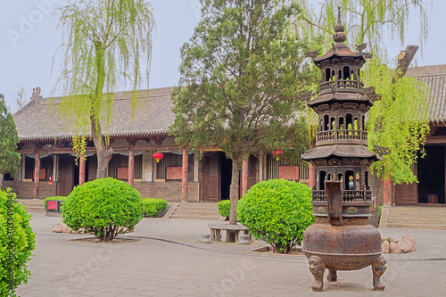 Courtyard in the Confucian temple complex with censer in the old town of Pingyao Fototapet