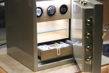 Security Metal Safe With Pearl...