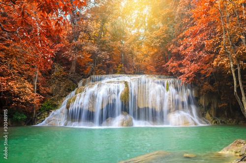 Autocollant pour porte Rivière de la forêt Waterfalls In Deep Forest at Erawan Waterfall in National Park Kanchanaburi Thailand