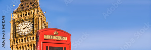 Fotografía Red telephone box and Big Ben,  panoramic background of London, UK