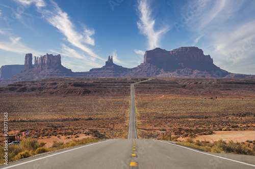 Fototapety, obrazy: Road leading to Monument Valley, AZ