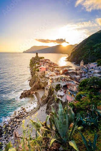 Vernazza - Village of Cinque Terre National Park at Coast of Italy. Beautiful colors at sunset. Province of La Spezia, Liguria, in the north of Italy - Travel destination and attraction in Europe. Fotomurales