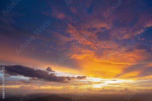 Foto auf Leinwand Aubergine lila scenery Sunset in Mountains on background