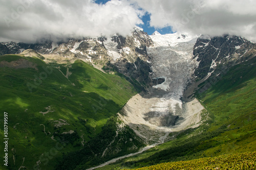 Fényképezés Adishi Glacier seen from Chkhutnieri pass