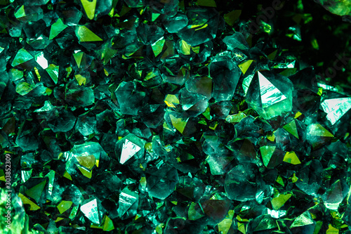Fotomural Emerald, Sapphire or Tourmaline green crystals