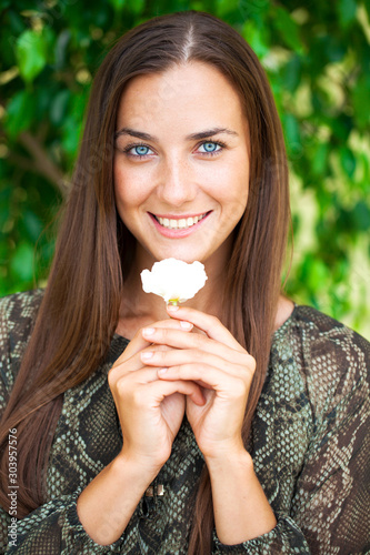 Fototapeta Portrait of beautiful young happy woman
