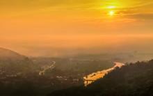 Mountain View Panorama Misty M...