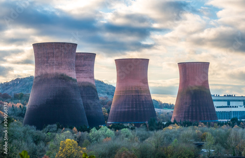 Cuadros en Lienzo Cooling Towers at Ironbridge on the banks of the River Severn, due to be demolished soon