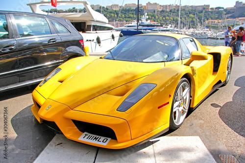 Valokuvatapetti Enzo Ferrari