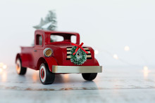 Vintage Red Truck Christmas Tr...