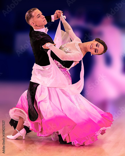 Stampa su Tela Beatiful ballroom dancers gliding across the floor