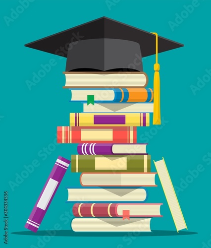 Cuadros en Lienzo Graduation cap on stack of books