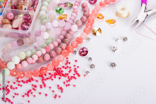 Fotografie, Obraz Rose cherry pink quartz beads