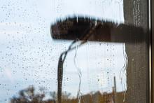 Window Cleaning Using Telescop...