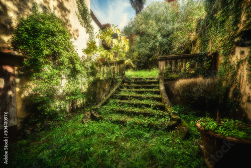 Photo Old stairway in a an abandoned village