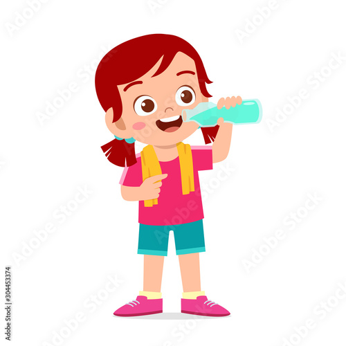 Canvastavla happy cute kid girl drink water after sport