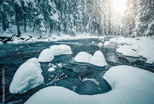 Foto auf AluDibond Blau türkis Incredible view of calm river. Location Carpathian national park, Ukraine, Europe.