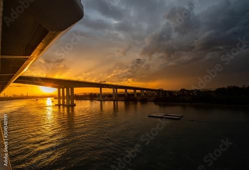 Breathtaking shot of a beautiful sunset at the Brisbane Gateway Bridge