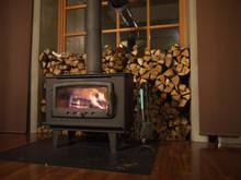 Wood Burning Stove With Glowin...