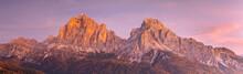Le Tofane Sommet Des Dolomites...