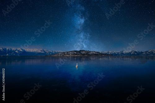 Fototapeta 天の川と湖 obraz
