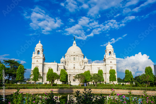 Photo  The Victoria Memorial is a large marble building in Kolkata, West Bengal, India