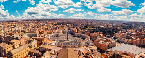 Fotomural Panoramic view of old aerial city Rome from Saint Peters Square in Vatican