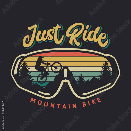Obraz na płótnie Just ride mountain bike vintage retro cyclist illustration with sunset backgroun