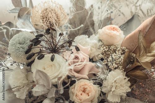 Fotografía Beautiful floral arrangement of fresh flowers close-up.
