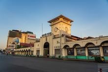 Facade Of Ben Thanh Market In ...