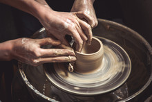 Creating Vase Of White Clay Cl...