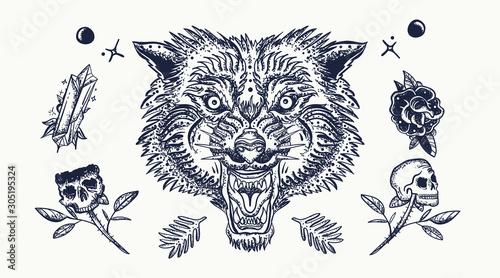 Fotografia Wolf head, skull, flowers