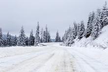 Campulung Rarau Romania Road W...